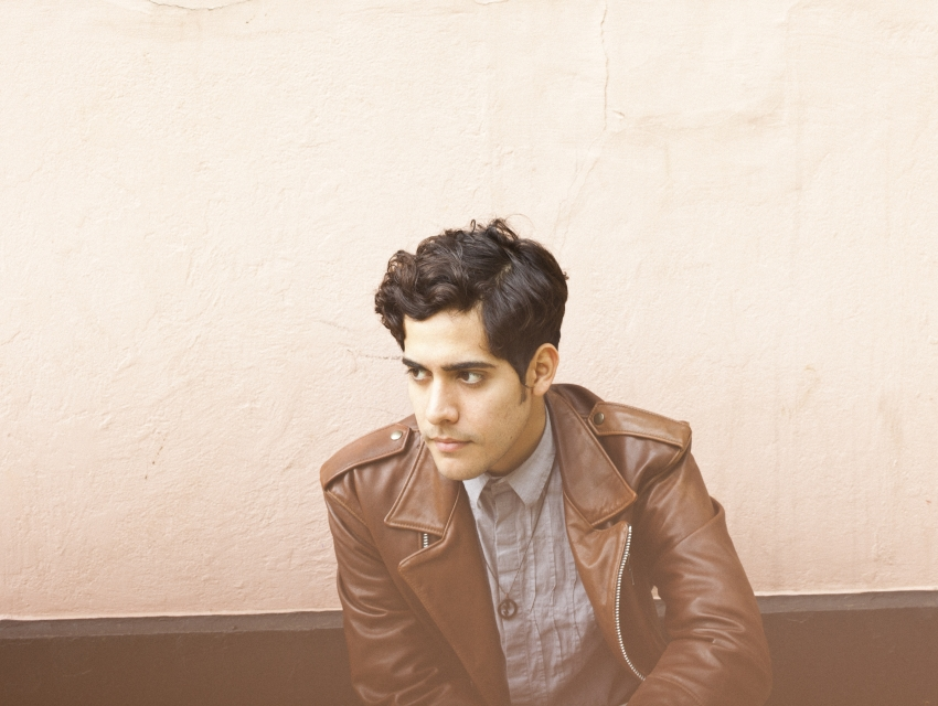 Wicked Paradise ft. Neon Indian (DJ Set)