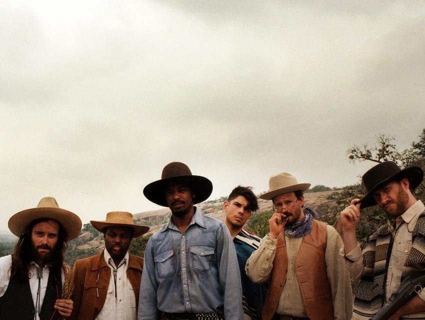 Black Joe Lewis & The Honeybears, Lightnin' Malcolm